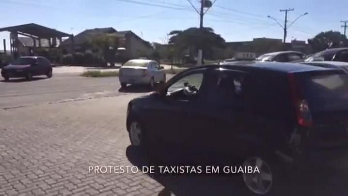 Taxistas pedem por mais segurança em protesto em Guaíba