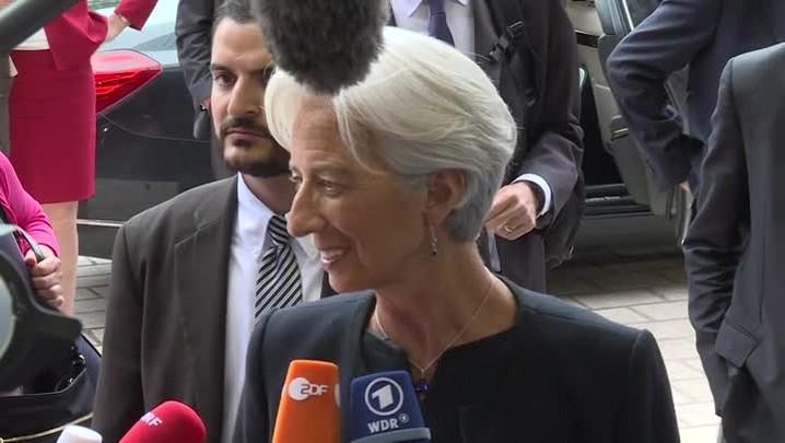 """Lagarde diz que \""""não há prazo de carência\"""" para pagamentos da Grécia"""