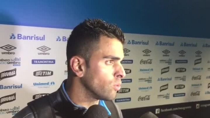 Maicon fala sobre renovação e desejo de permanecer no Grêmio
