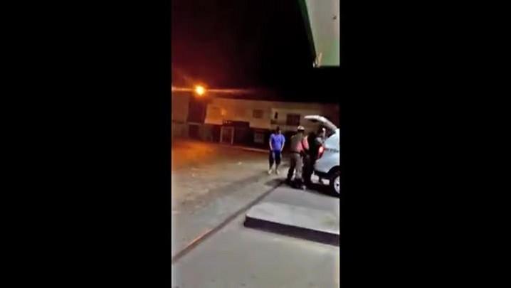 PM agride jovens em Cacapava do Sul