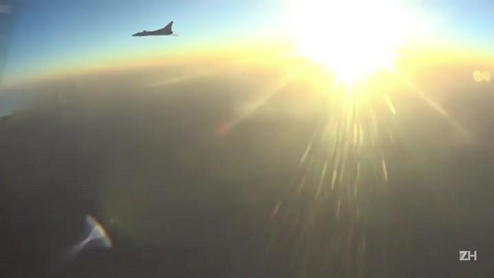 Rússia bombardeia alvos do Estado Islâmico na Síria