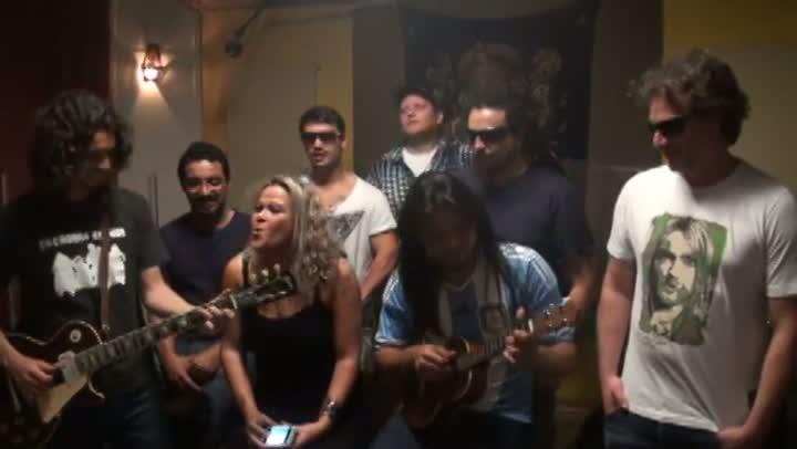 Antes de shows na Argentina, banda Chimarruts canta para leitores do DG