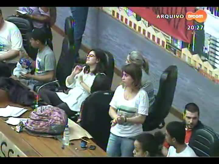 TVCOM 20 Horas - Justiça suspenda a reintegração de posse da Câmara de Porto Alegre - Bloco 3 - 15/07/2013