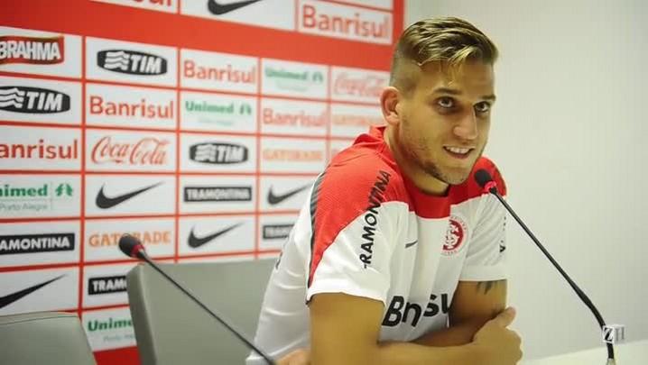 Cadê a taça, Rafael Moura?