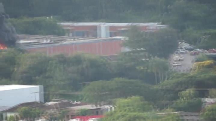 Fumaça de incêndio em fábrica de Novo Hamburgo pode ser vista à distância