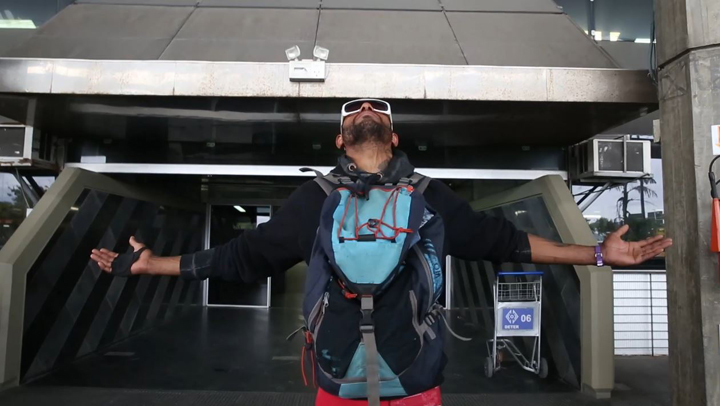 Ex-modelo que vivia como mendigo na rodoviária de Florianópolis volta para casa