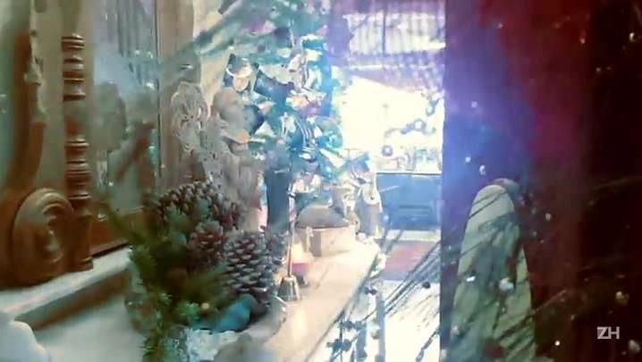 Confira tour em casa decorada nos mínimos detalhes para o natal
