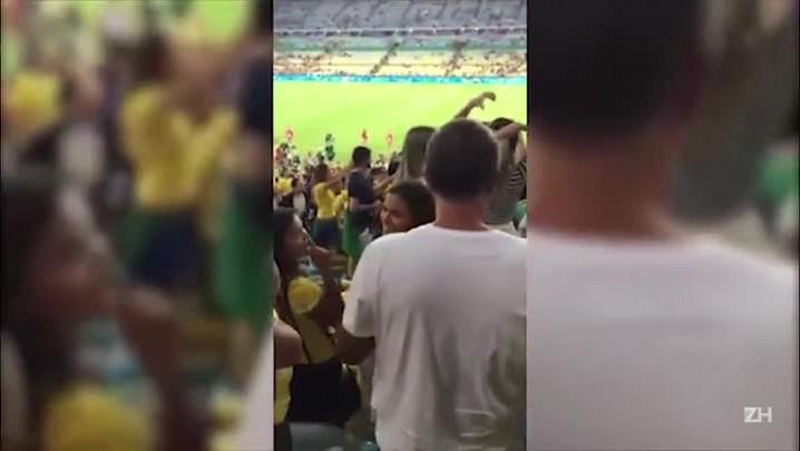 Neymar recebe carinho de Bruna Marquezine após ouro olímpico