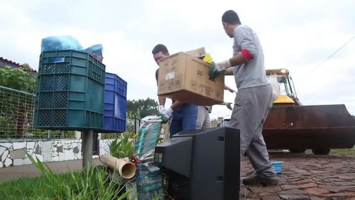 Dengue muda rotina de famílias de Pinhalzinho, SC