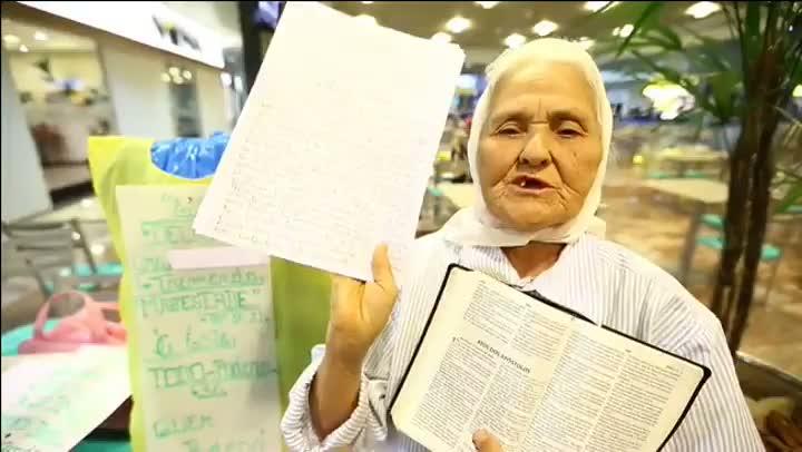 Mensagem a Santa Maria: Isaura, mulher que peregrina entre aeroportos do país, volta à Capital