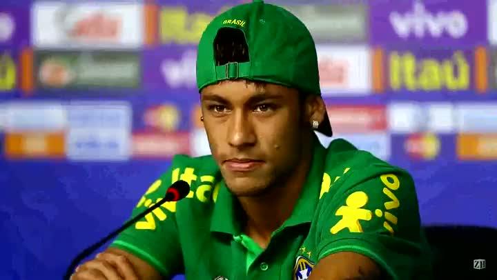 """Neymar desmente lesão no joelho: \""""Nada a ver\"""""""