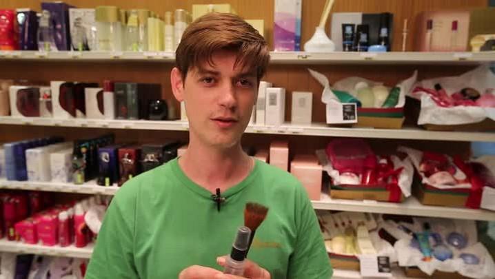 1 minuto - A forma ideal para limpar seus pincéis de maquiagem