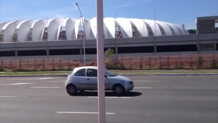 Treino no Beira-Rio é cancelado e trabalho do Inter ocorre no Parque Gigante. 28/03/2014