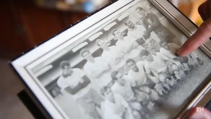 Ex-goleiro conserva camisa 10 de Pelé há 41 anos