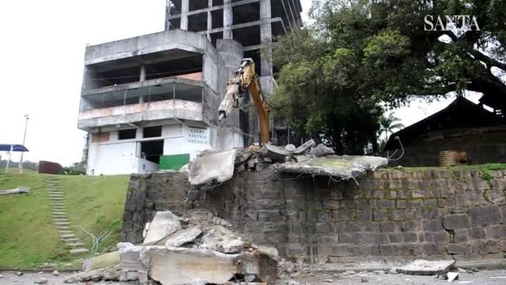 Estação de efluentes é demolida no Biergarten