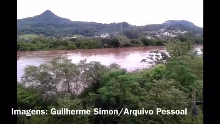 Confia a alta do Rio Jacuí na divisa de Agudo com Dona Francisca