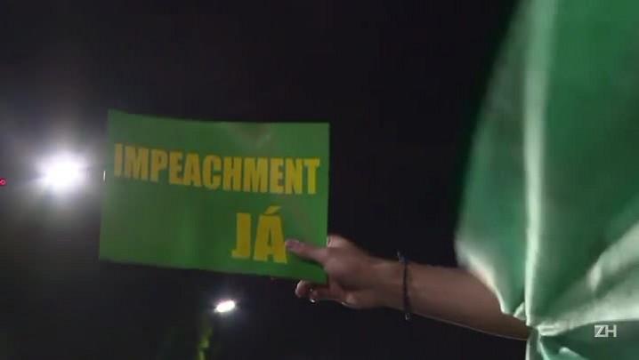 Manifestantes pró e contra impeachment realizam atos em Brasília