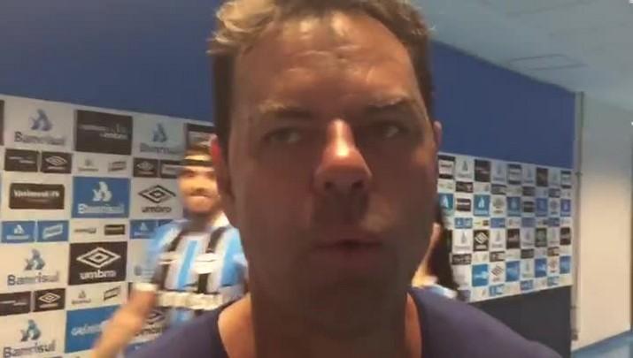"""Empresário de Renato diz que técnico quer continuar no comando do Grêmio no ano que vem: \""""Existe a vontade imensa de dar sequência a esses títulos\"""""""