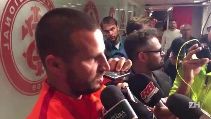 Preparador de goleiros fala da situação de Danilo Fernandes