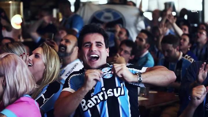 As reações dos gremistas que assistiram à semifinal no Gaúcha Sports Bar