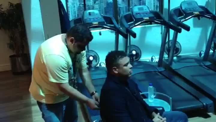 "Ronaldo se prepara para entrar ao vivo no programa \""Arena SporTV\"""