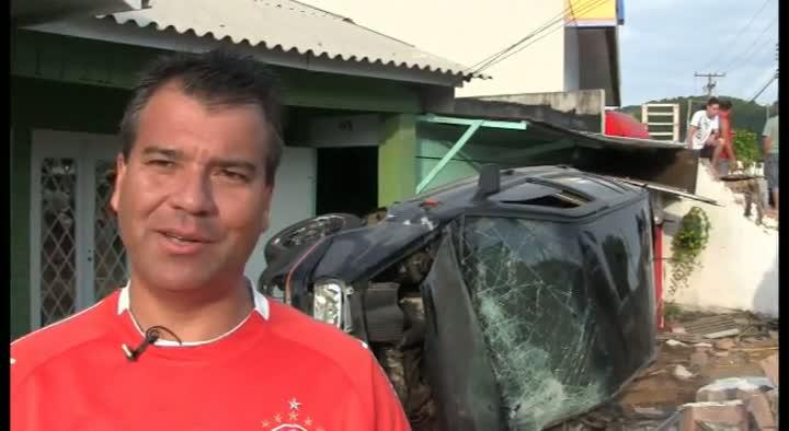 \'\'Nasci de novo\'\', diz proprietário de casa atingida por carros na Capital