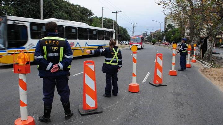 Padre Cacique é bloqueada e trânsito é desviado para Av. Beira-Rio