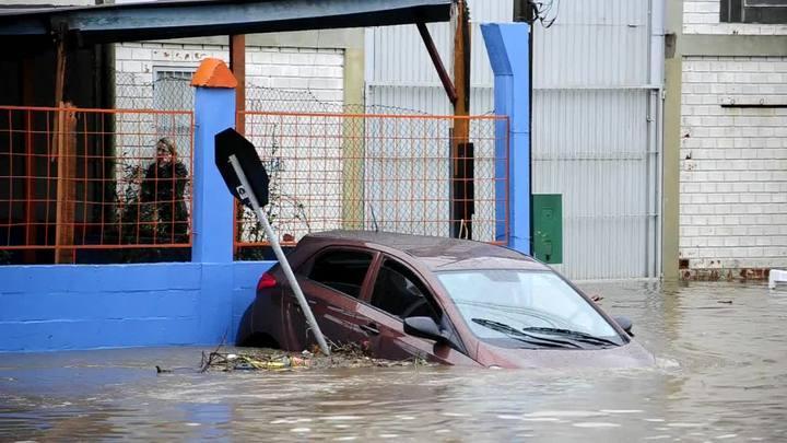 Bairro Sarandi fica debaixo d\'água