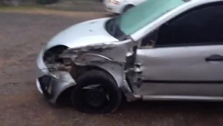 Acidente entre ônibus, caminhão e carro deixa trânsito lento na RS-240 - 09/06/2014