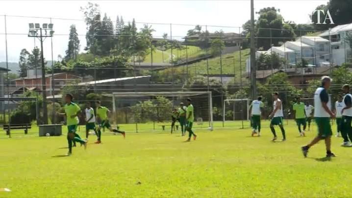 Jogadores do Metropolitano se preparam para enfrentar o Figueirense