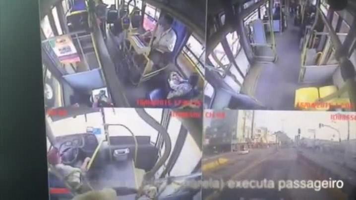 Homem executa passageiro dentro de ônibus na capital