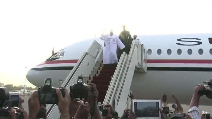 Presidente do Sudão desembarca em Cartum