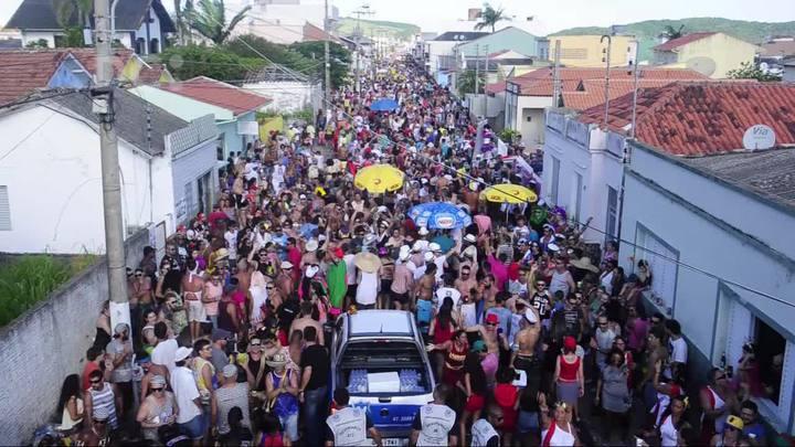 Bloco da Pracinha: um dos maiores blocos do sul do país