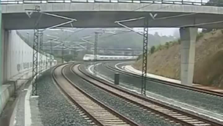 Sobe para 78 número de mortos em acidente de trem na Espanha