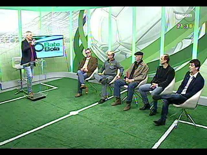 Bate Bola - Avaliação do Gre-Nal de domingo, com a participação especial de Cláudio Duarte - Bloco 2 - 04/08/2013