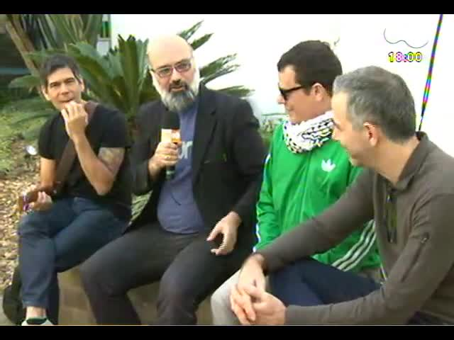 Programa do Roger Pocket - Dado Villa-Lobos, João Barone e Toni Platão tocam Beatles no projeto Banco do Brasil Cover - 06/11/2013