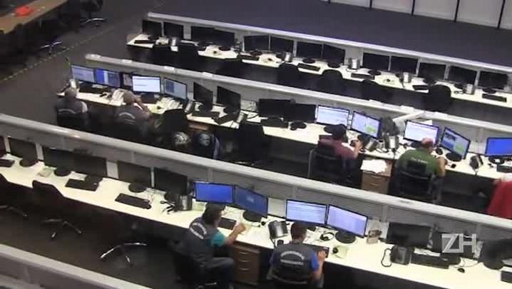 Os bastidores do monitoramento das câmeras de segurança de Porto Alegre