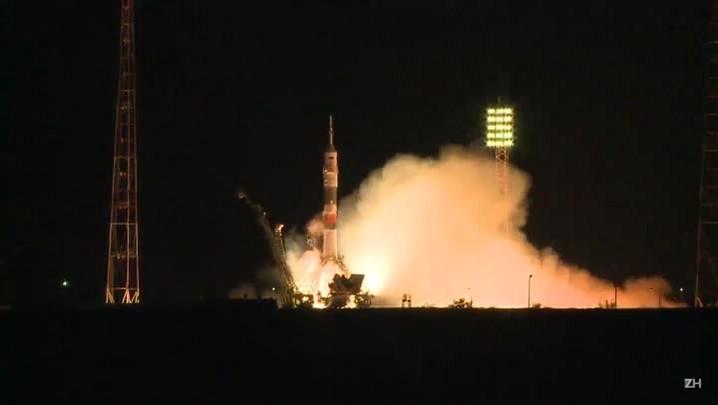 Soyuz é lançada com 3 astronautas rumo à ISS