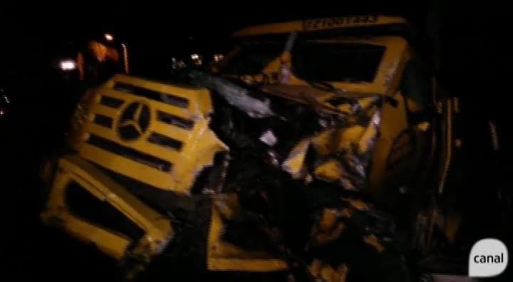 Bandidos assaltam carro-forte e incendeiam veículos em Nova Petrópolis