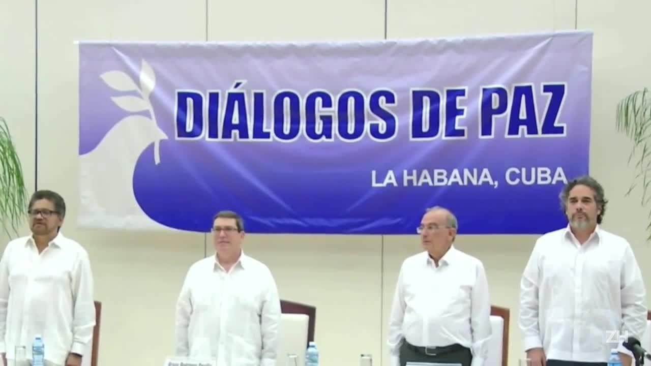 Farc e governo colombiano fecham acordo histórico de paz