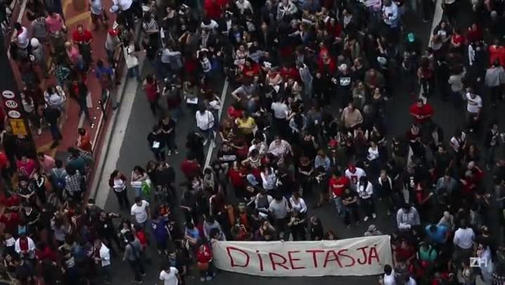 Milhares vão às ruas em São Paulo pedir \'Fora, Temer\'