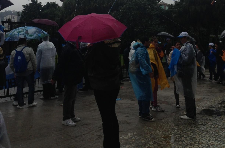 Confira a movimentação dos jovens a espera do Papa no Rio de Janeiro. 25/07/2013