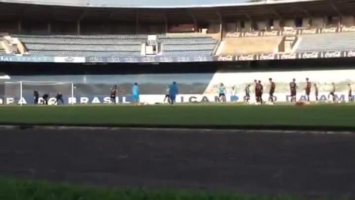 Grêmio treina chutes ao gol para o clássico Gre-Nal - 28/03/2014