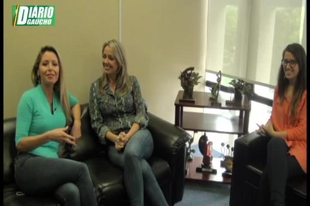 Musa e mãe: Carla Fachim revela o que fez para voltar ao ar linda, loira e magra!