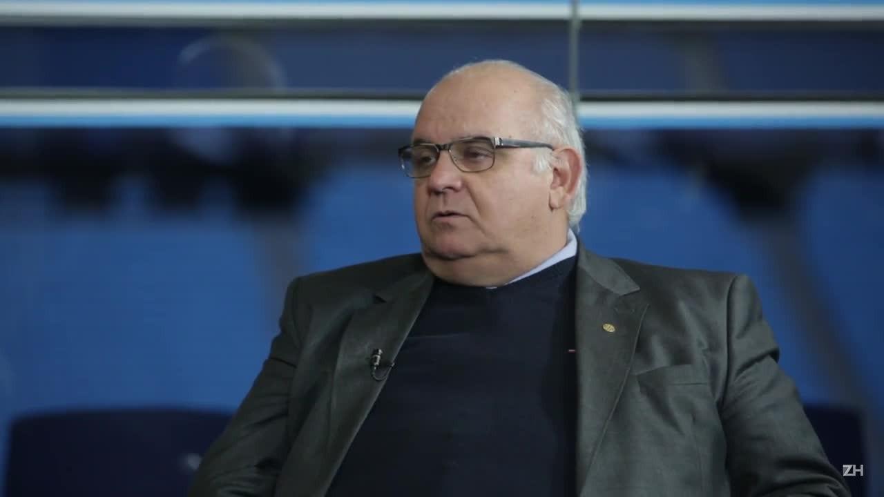 Romildo Bolzan fala sobre saída de Felipão e apostas da base