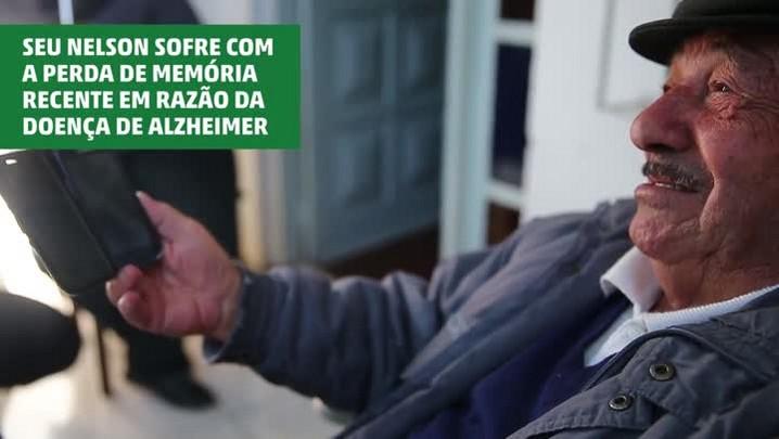 Filho grava vídeos como lembranças para ajudar pai com Alzheimer