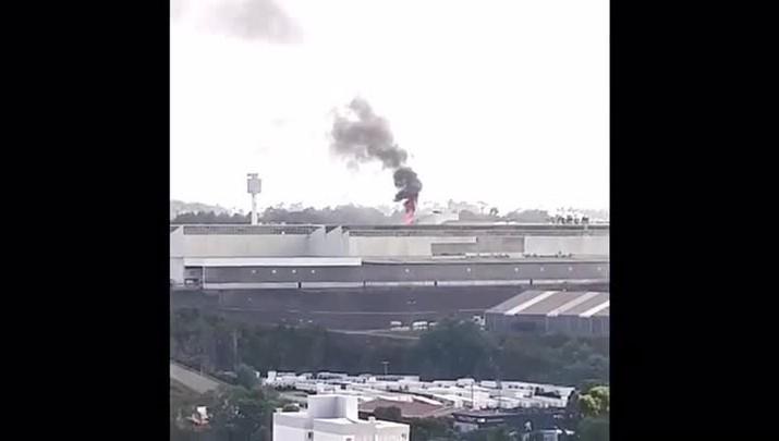 Incêndio atinge setor de pinturas da empresa Randon, em Caxias do Sul