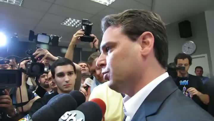Entrevista com o prefeito Cesar Souza Júnior sobre ocupação irregular em Florianópolis