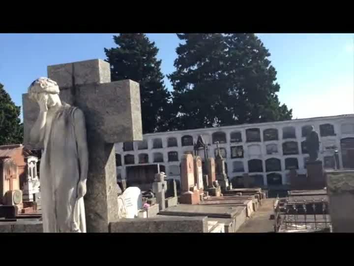 Arte e arquitetura fúnebres foram tema de passeio nos cemitérios de Porto Alegre. 25/05/2013