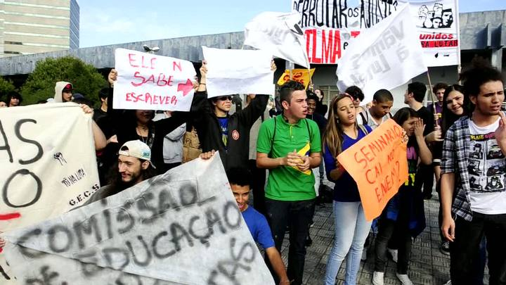 Estudantes protestam contra a reforma do Ensino Médio